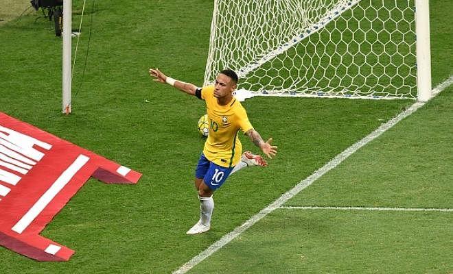 Neymar celebrating his historic 50th international goal
