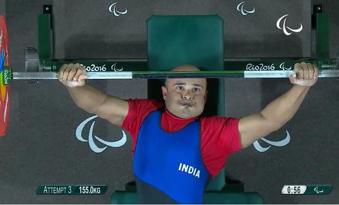 He could not finished on the podium if he would have lifted 155 kg! He clearly looks disappointed after missing the bronze medal by a whisker.