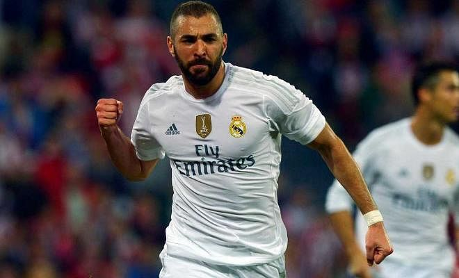 Arsenal and Chelsea are set to battle it out for Real Madrid striker Karim Benzema according to media outlets in Spain. The Gunners have been repeatedly linked with Benzema over the years and Arsene Wenger is known to be a big fan but Chelsea are expected to join the race in a bid to strengthen their attacking options. The French striker is estimated to be valued around £50M.
