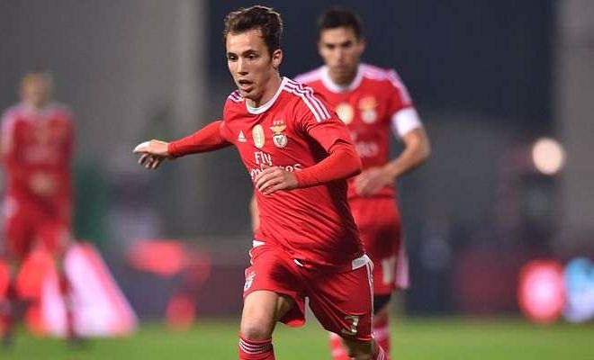 MANCHESTER UNITED LOOK AT GRIMALDOBenfica's Alex Grimaldo is being scouted by Manchester United, and the full back's performances have justified United's interest. He might replace Matteo Darmian in the squad.