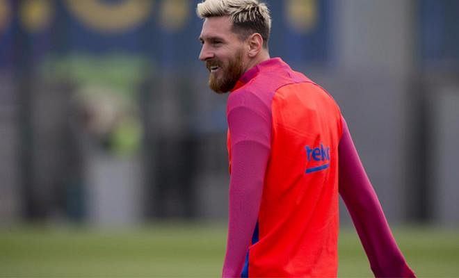 LEO MESSI BACK IN TRAININGThe 5 time Ballon D'or winner is back in training after injury, and has started running. Reports say that he will be ready by October 19th, when Barcelona face Manchester City in the Champions League.