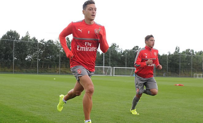The Sun 'strokes' football world with yet another incredible rumourMesut Ozil is ready to leave Arsenal, acording to The Sun. Recently, Jurgen Klopp rejected a question from the daily's reporter and ridiculed the news that they 'make'.