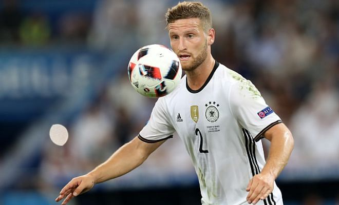 48 hours Arsenal fans.. 48 hours!Daily reports that Arsenal are expected to complete the signing of Valencia defender Shkodran Mustafi in the next 48 hours. The fee could be around the range of £30 million for the German defender.