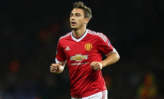 Napoli want Manchester United's DarmianMatteo Darmian appears likely to leave Manchester United after being left out for Sunday's clash with Bournemouth. Serie A giants Napoli are leading the race to sign the 26-year-old full-back as Mourinho has already settled for Antonio Valencia as his first-choice right-back.
