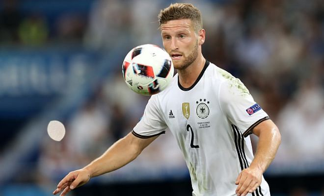 Breathe easy Gunners!The Daily Telegraph reports that Valencia's German defender Shkodran Mustafi will have a medical at Arsenal on Monday with a £29.5m fee agreed between the clubs.