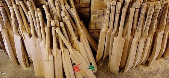 Bat manufacturing in the late 1900s became an art. Credits: Play Better Cricket