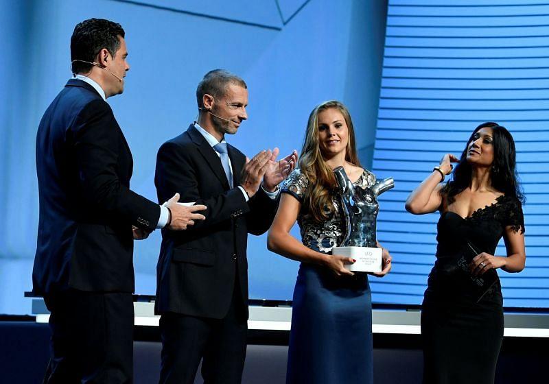 Lieke Martens UEFA award