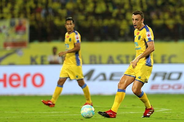 Dimitar Berbatov had a lot more influence on the game. (Photo: ISL)