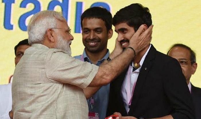 Kidambi Srikanth (R) thanked Narendra Modi for giving GST exemptions on sports goods