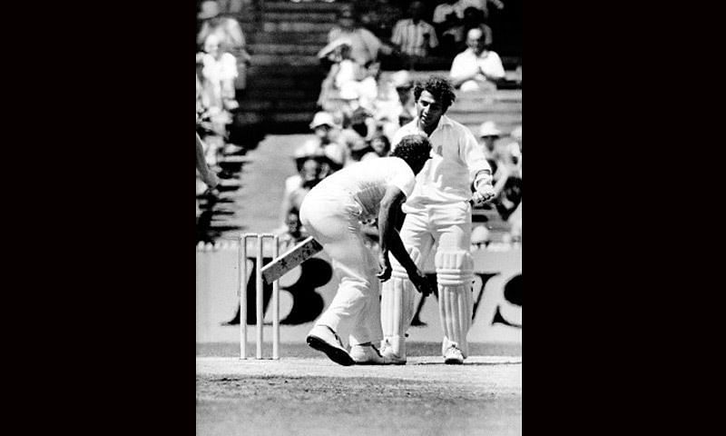 Gavaskar argues with Lillee, Melbourne 1981.