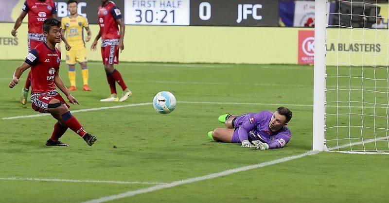 Enter captionRachubka saves a second attempt  during the Jamshedpur F.C. vs Kerala Blasters F.C. match.