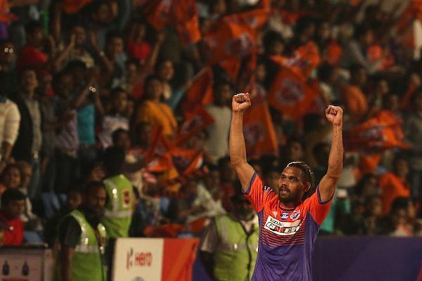 Adil Khan is in top form. (Photo: ISL)