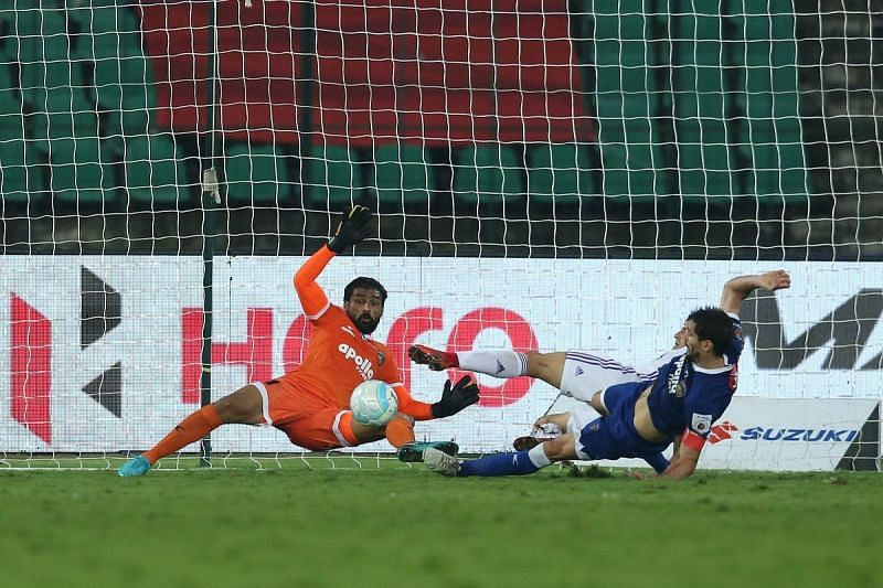 Some desperate defending from Chennaiyin kept Pune City out in the first half [Photo: ISL]