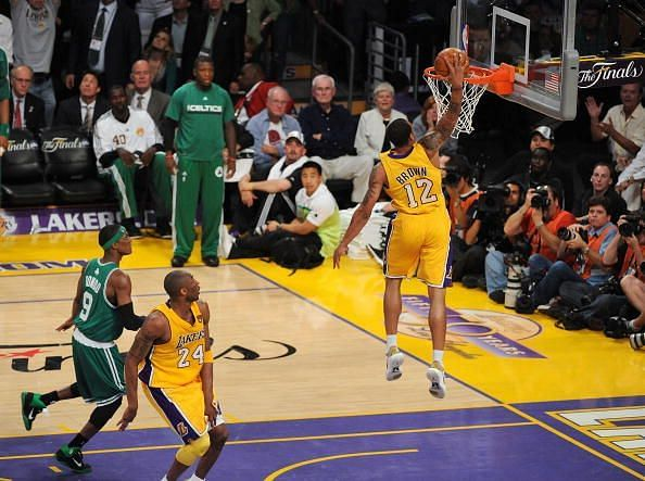Brown throws down a slam dunk in Game 6 of the 2010 NBA Finals
