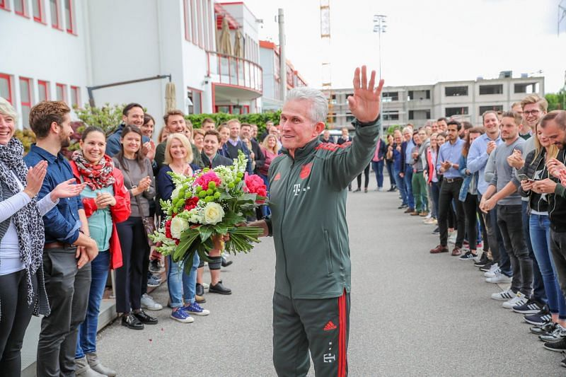 Bayern staff line up to give Jupp Heynckes a farewell at Sabener Strasse