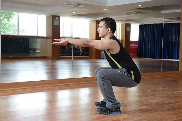 Enter caFitness Expert Deckline Leitao Demonstrating Exercisesption