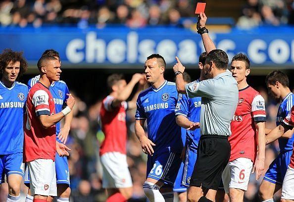Soccer - Barclays Premier League - Chelsea v Arsenal - Stamford Bridge