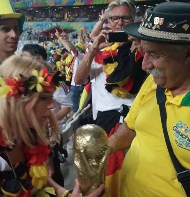 Brazil fan crying 2014 World Cup Clovis Fernandes Brazil Germany