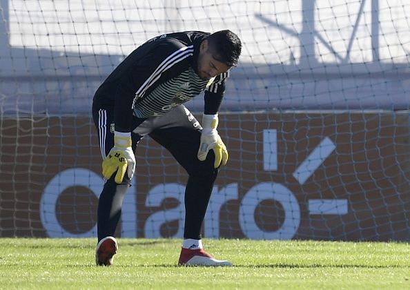 FBL-WC-2018-ARG-TRAINING-ROMERO-OUT