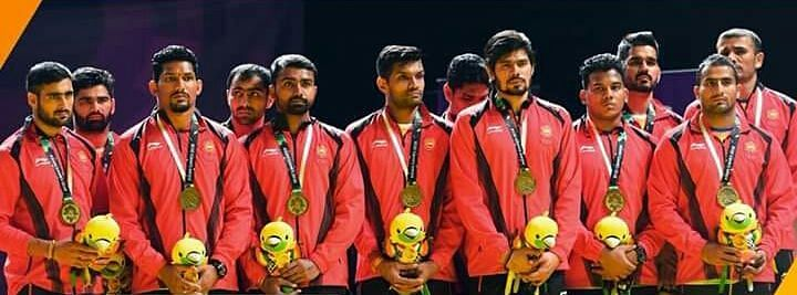 The Indian Kabaddi men's team during the medal distribution ceremony with bronze medal.