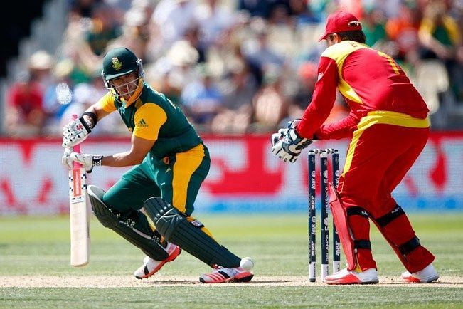 South Africa win the first ODI by 5 wickets against Zimbabwe