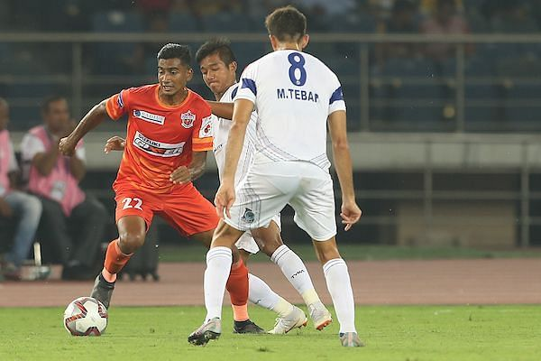 Ashique in action against Delhi Dynamos