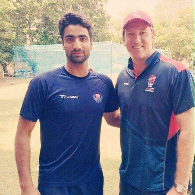 Umer Nazir with one of the all-time fast bowling greats- Glenn McGrath