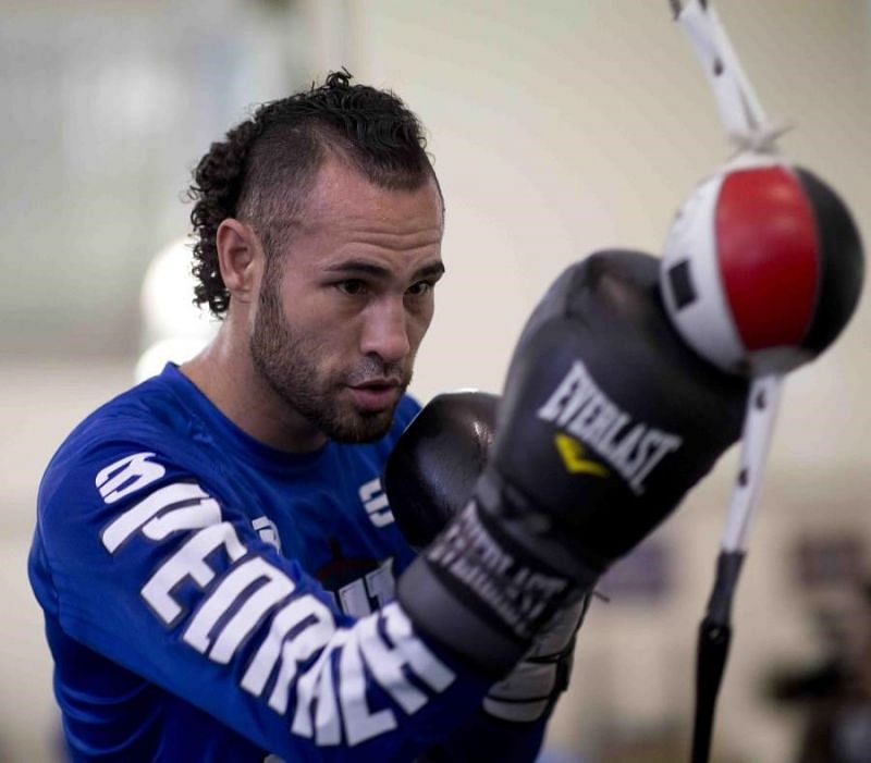 •Pedraza explained that he had made a glove with Rocky Martinez, who 2016 lost to Lomachenko (11-1, 9 KO