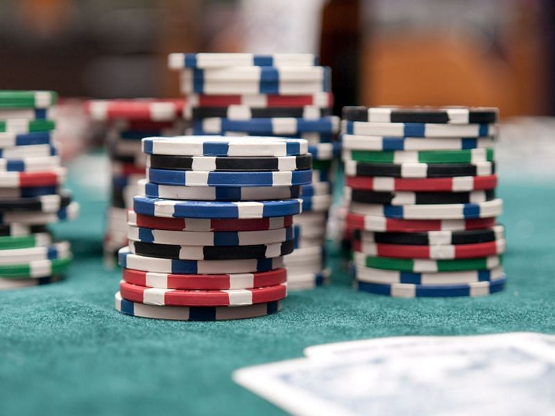 Common Beginner Mistakes to Avoid in Texas Hold'Em Poker
