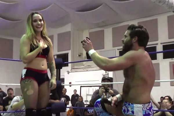 Joey Ryan wrestled girlfriend and proposed her at the same night