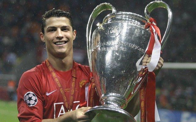 Cristiano Ronaldo lifts the 2008 European Cup