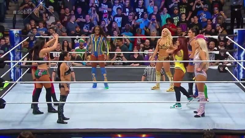 Battle Royal to determine the third competitor of TLC match