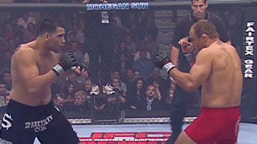 Ricco Rodriguez and Randy Couture: Clashed for the vacant Heavyweight Championship