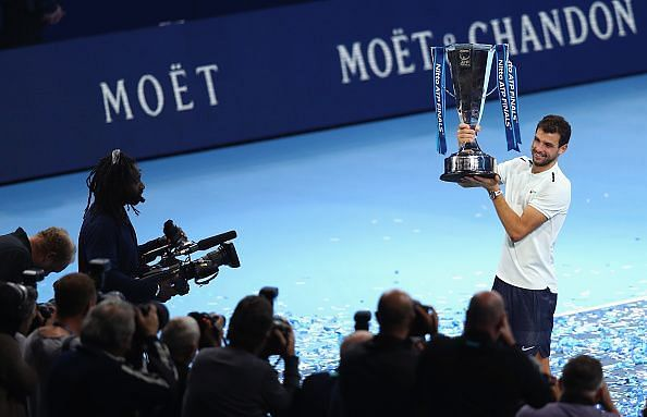 Grigor Dimitrov with the 2017 Nitto ATP World Tour Finals trophy