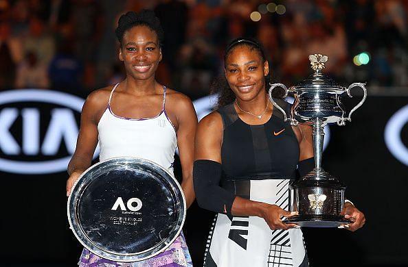 Venus Williams at the 2017 Australian Open trophy presentation ceremony