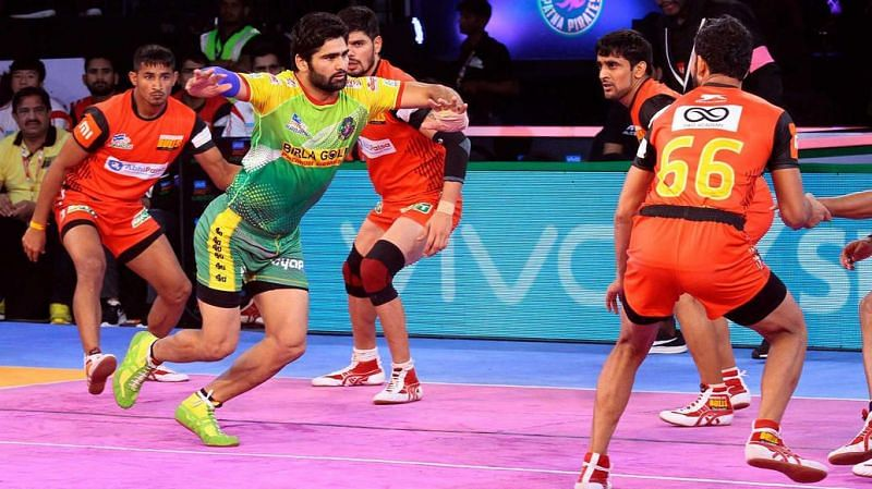 Pardeep Narwal in action. [Picture Courtesy: ProKabaddi.com]
