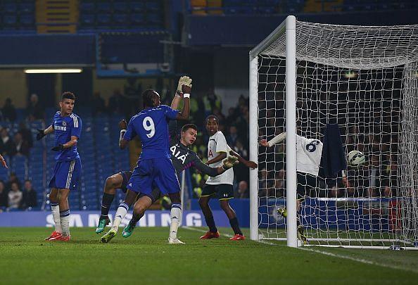 Chelsea v Tottenham Hotspur - FA Youth Cup Semi Final: Second Leg