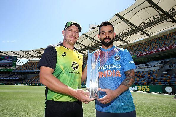Aaron Finch (L) and Virat Kohli