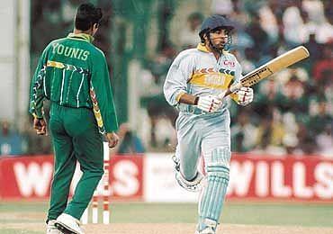 Jadeja Smashing Waqar