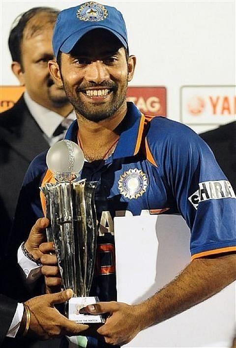 Man of The Match award won by Dinesh Karthik