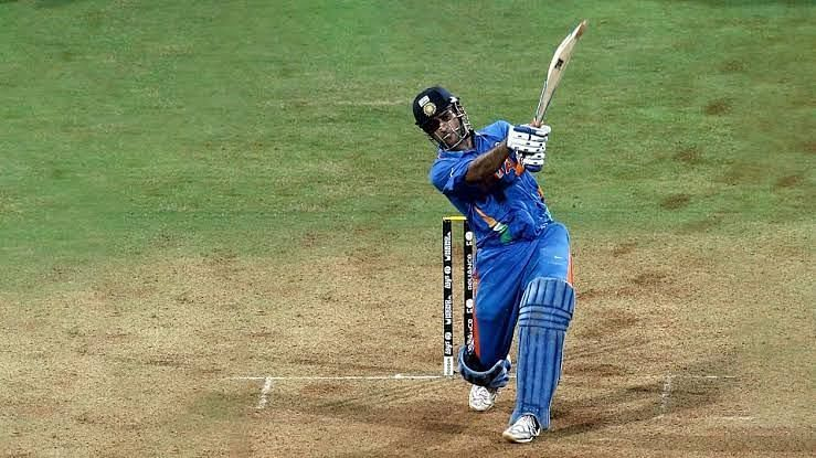 M.S. Dhoni hits the six on 2011 worldcup against Srilanaka
