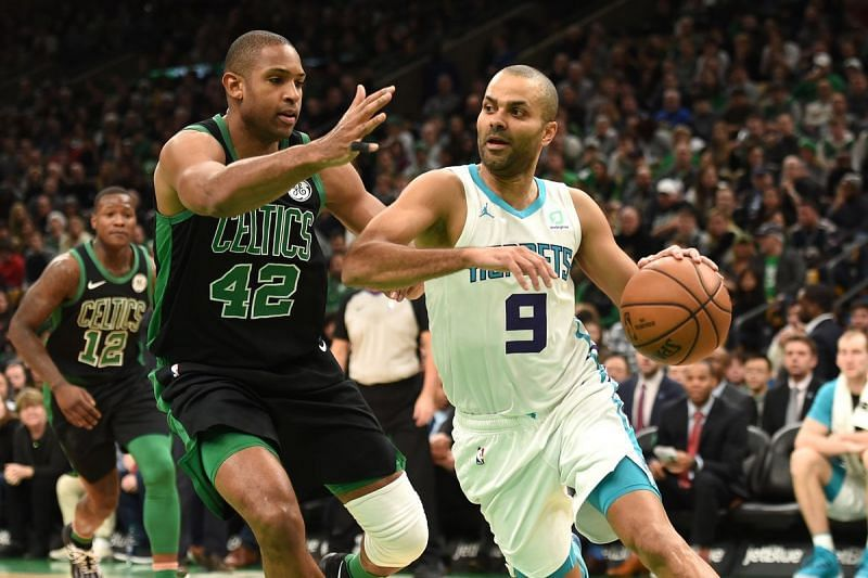 Al Horford(42) in action against the Hornets