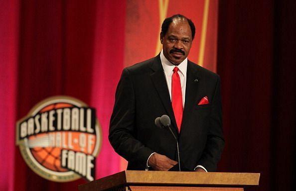 Artis Gilmore gets enshrined into the Basketball Hall of Fame