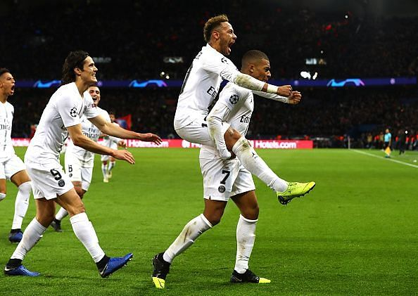 A win for Paris Saint-Germain will see them qualify to the knockout stages