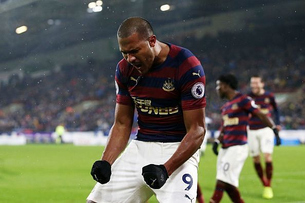 Newcastle United forward Salomón Rondón celebrates his goal Saturday versus Huddersfield Town