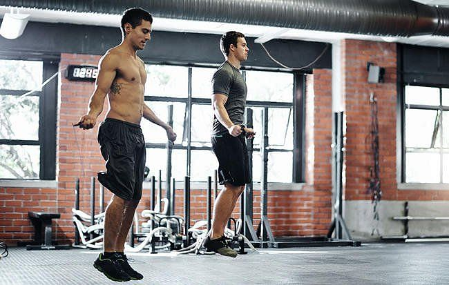 4 Effective Skipping Exercises To Do To Lose Weight