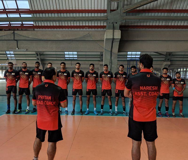 U Mumba Volley side in training (Source - U Mumba Volley Twitter)