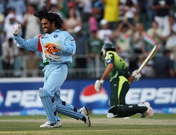 Ecstatic Dhoni after winning the 2007 T20 World Cup