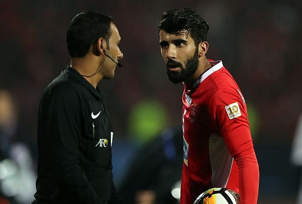 Bashar Resan in action for Persepolis v Kashima Antlers in the AFC Champions League Final 2nd Leg