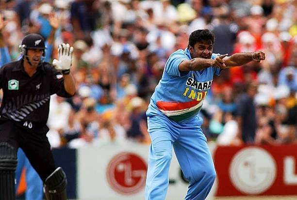 indias-javagal-srinath-right-appeals-the-lbw-wicket-of-new-zealand-picture-id55791634-800